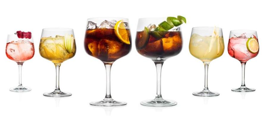 LETO dvojbodka VODKA: Farebné drinky sFINLANDIA